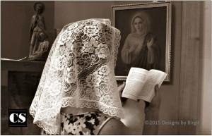Why Women Wear Chapel Veils – And Should You Too?